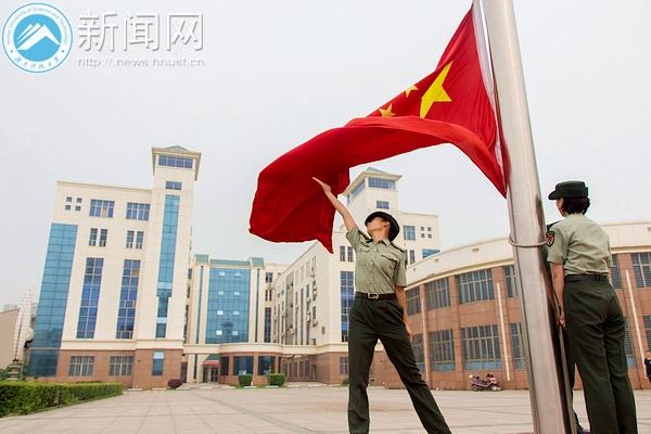 校国旗仪仗队举行年终考核